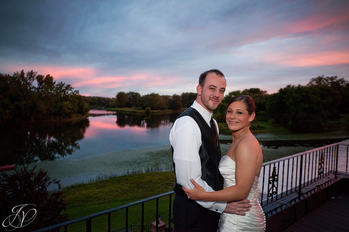 sunset photo with bride and groom, The Glen Sanders Mansion, Albany Wedding Photographer