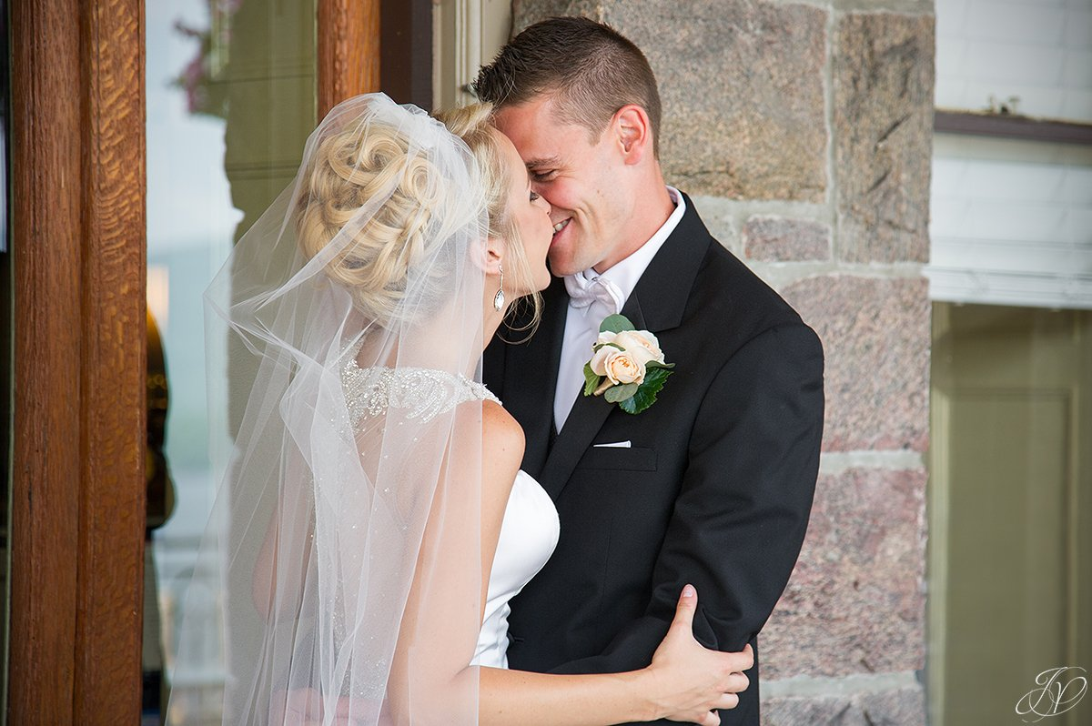 close up bride and groom inn at erlowest