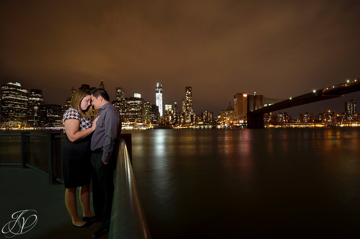 nyc engagement session, nyc night photography, new york city skyline photo