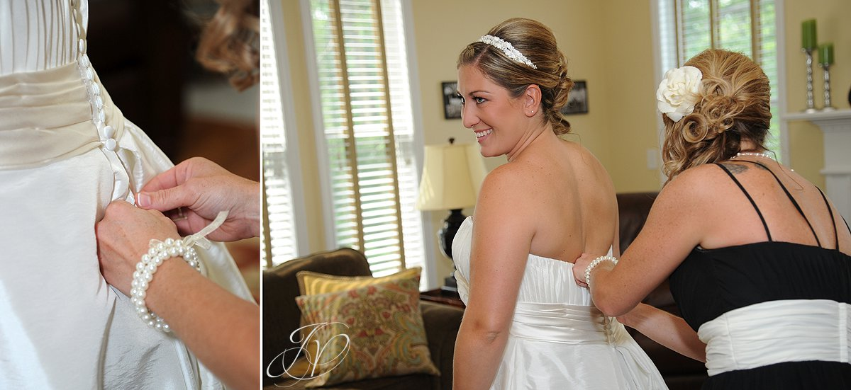 Mohawk River Country Club & Chateau, Saratoga Wedding Photographer, bridal photo, finishing touches photo